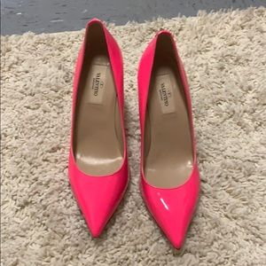 Brand new AUTHENTIC Valentino heels! Make offers